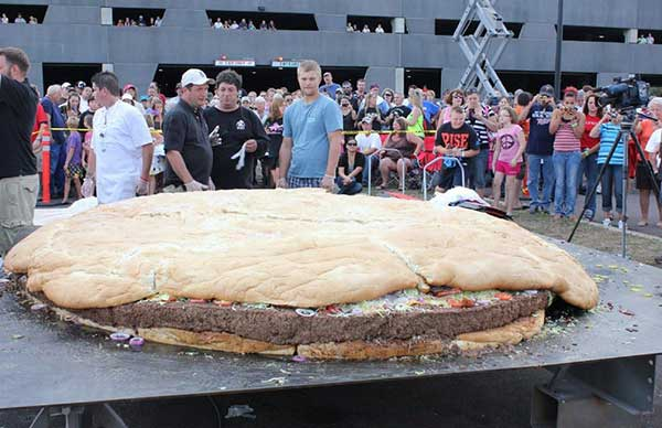 la hamburguesa mas grande del mundo récord Guinness