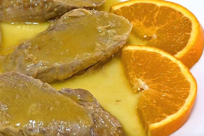 Receta tradicional de solomillo de cerdo ibérico a la naranja.