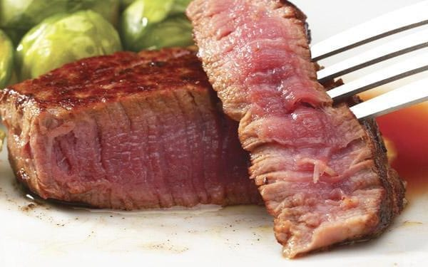 Carne muy tierna y jugosa a la parrilla.